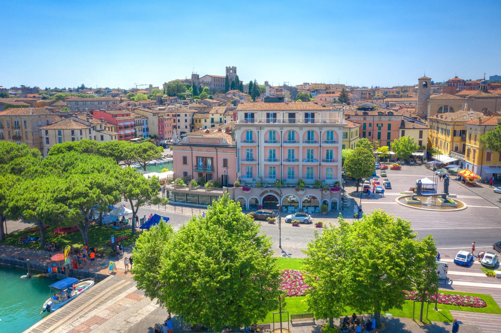 Hotel Vittorio Desenzano | Sito Ufficiale | Miglior Tariffa Garantita